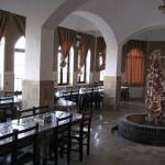 سالن پذیرایی هتل سنتی بیاضه